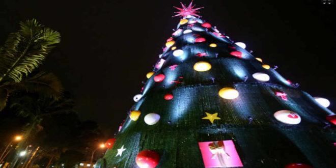 Coca-Cola: decoração natalina e pontos de contato no Ibirapuera
